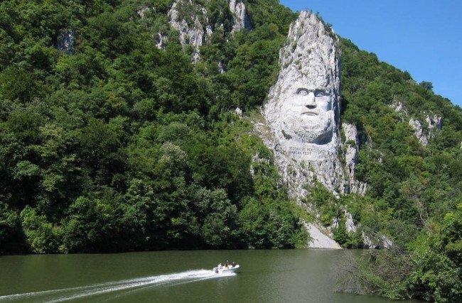 статуя в Румынии
