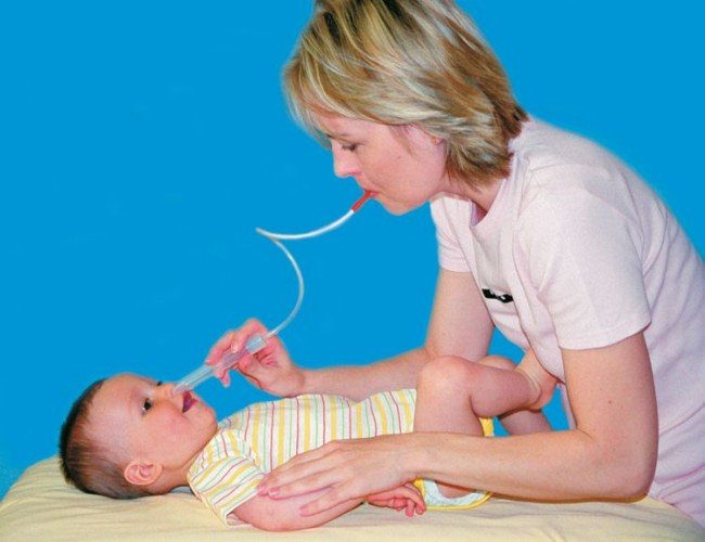 лечим насморк у грудного ребенка