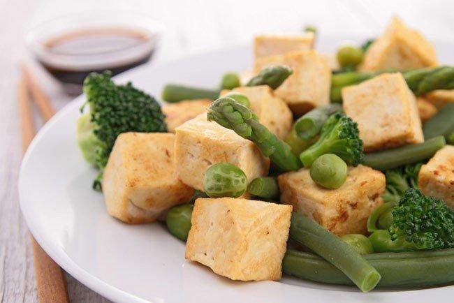 Сыр тофу после заморозки.