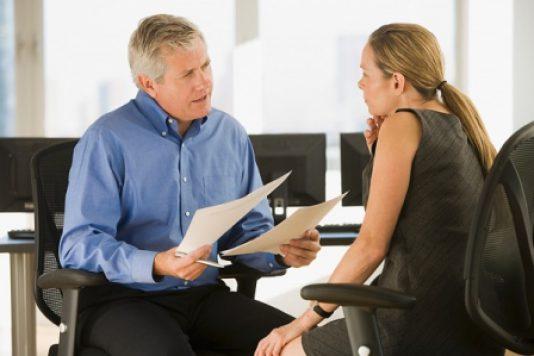 Как правильно отказать пожилому кандидату в приеме на работу?