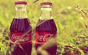 """Фото """"Кока-Колы"""" в стеклянных бутылках."""