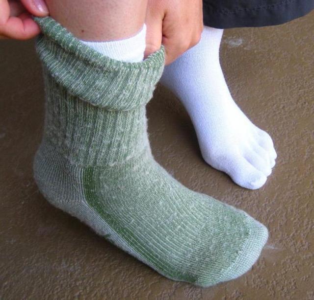 Как сделать чтобы не мерзли ступни ног на улице?