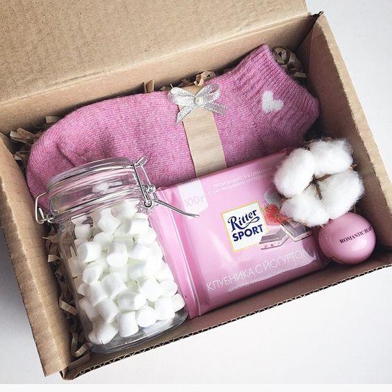 Подарок в интересной коробке