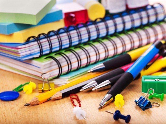 ручки и карандаши к школе