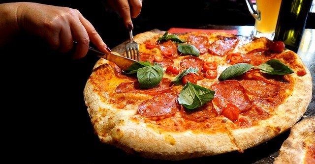 Пицца - открытый пирог