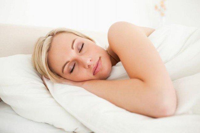 сон после еды приводит к лишним килограммам