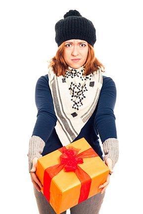 Кому подарить подарок, который не понравился