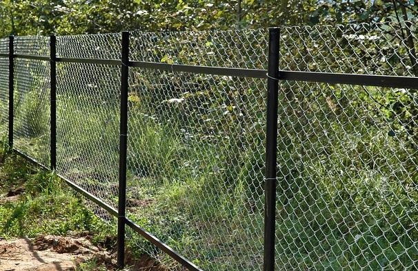 Забор из рабицы - своими руками