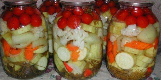 маринованные овощи.