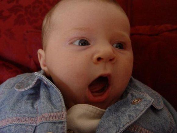 Почему ребенок постоянно зевает