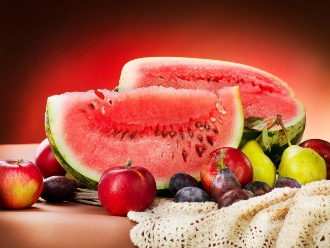 фрукты и солнце