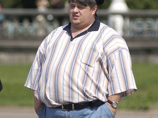 Толстый мужичок.