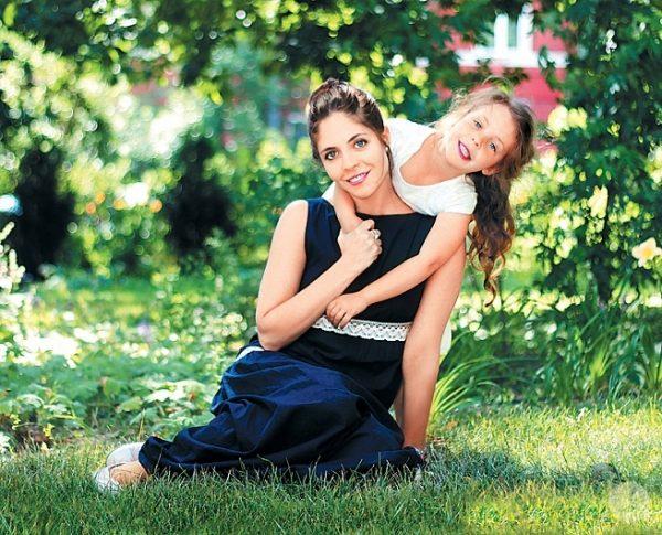 анна с дочерью