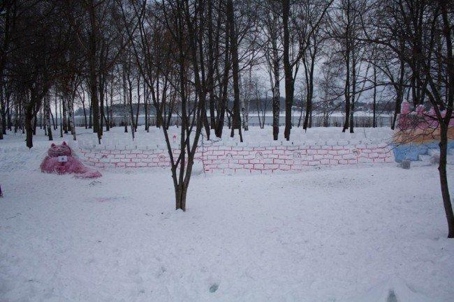 Фото самой большой снежной крепости