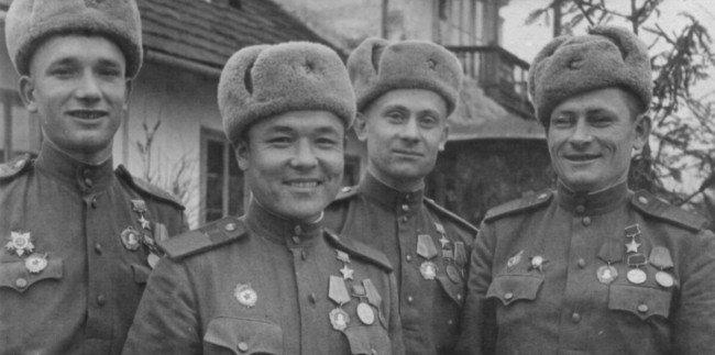 Игра 100 к 1 известные герои Великой отечественной войны интерактивная игра