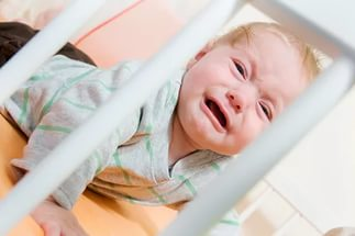 ребенок плачет и не хочет спать