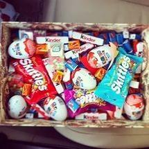 Коробка со сладостями в качестве подарка
