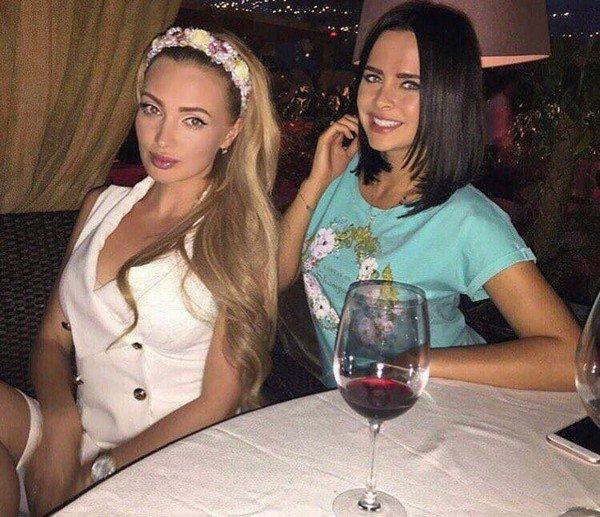 Евгения Гусева (Феофилактова) и Виктория Романец.