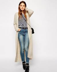 кардиган без пуговиц в сочетании с джинсами