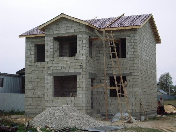 Как построить дом из шлакоблоков своими руками видео