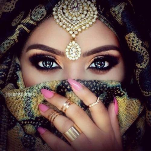 девушка из Эмиратов