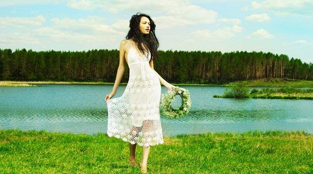 Девушка живущая в сельской местности.
