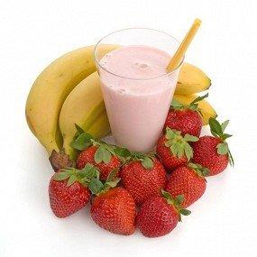 клубнично -банановый молочный шейк