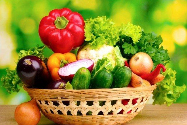 Овощи богаты углеводами, что делает их одним из компонентов лечебной диеты при язвенной болезни желудка.