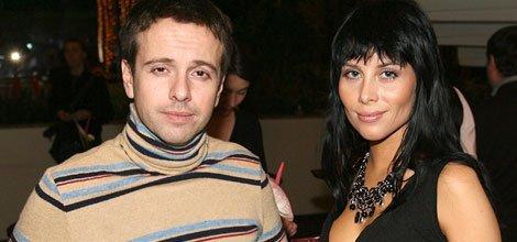 10 лет назад Андрей Губин собирался жениться, но перед этим хотел записать несколько хитов. Не удалось ни то, ни другое.