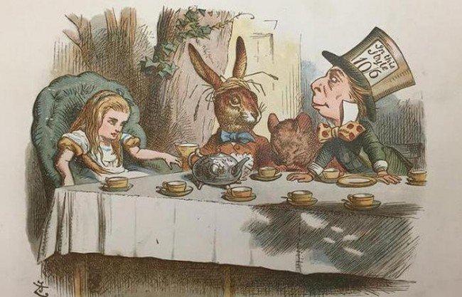 """Первое название сказки звучало более мрачно - """"Приключения Алисы под землей""""."""