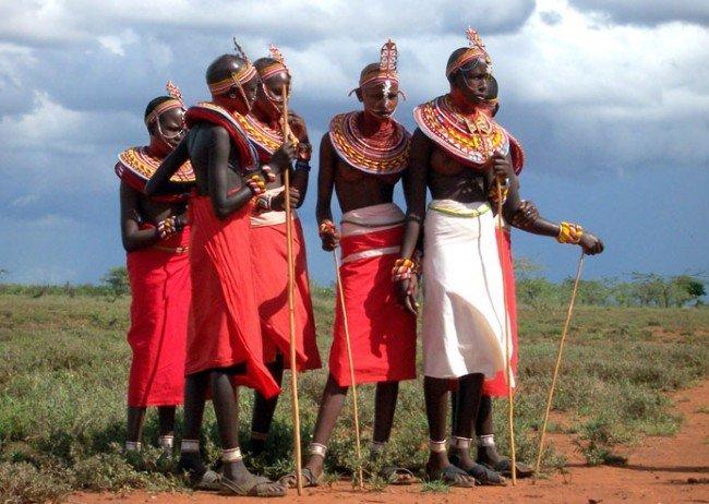Не стоит забывать, что помимо своеобразной диеты кочевники масаи постоянно находятся в движении, не лежат сутками на диванах.