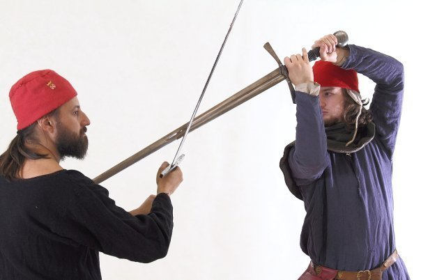 Как в средние века называлась движущаяся платформа для тренировки рыцарей?