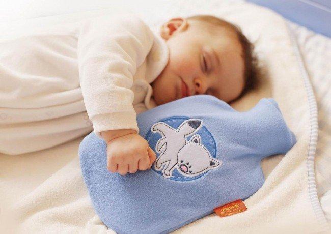 Грелка при коликах у новорождённых