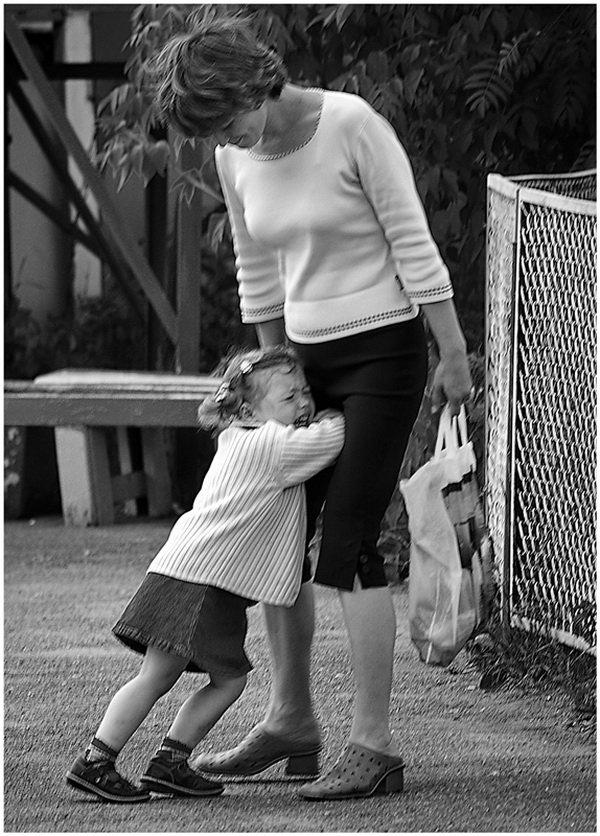 расставание или что делать если ребенок плачет в садике