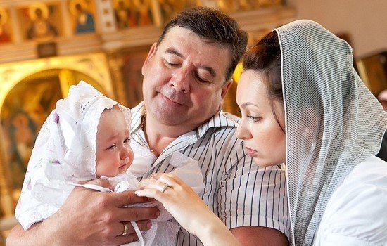 Как выбрать крестных родителей для ребенка?