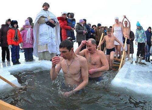 Первый раз на Крещении в проруби