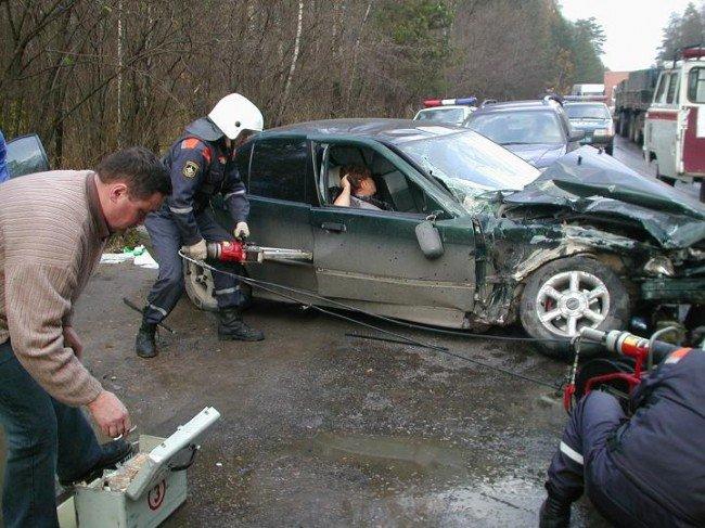помощь пострадавшим в аварии