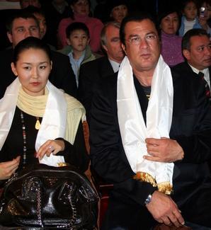 Эрдэнэтуяа Бацук и Стивен Сигал