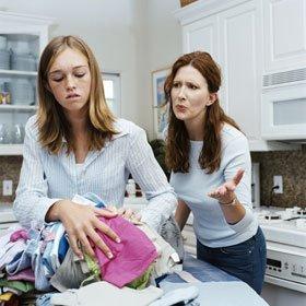 Семейная проблема матери и дочери.