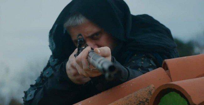 """Сериал """"султан моего сердца"""", где человек целится с крыши"""