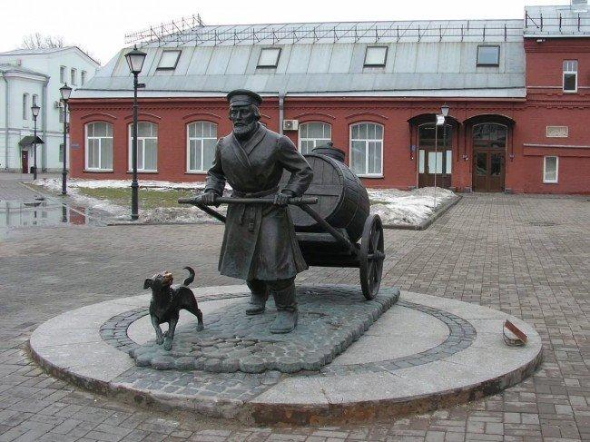 памятник в Ленинграде