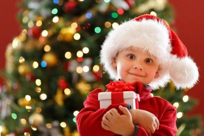 Новогодние подарки детям.